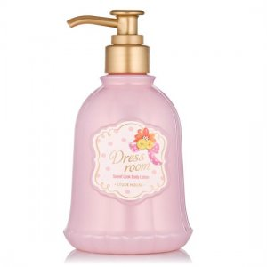 Dress Room Body Lotion (Sweet)