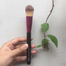 120 Foundation Brush
